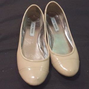 Tan patent leather ballet flats